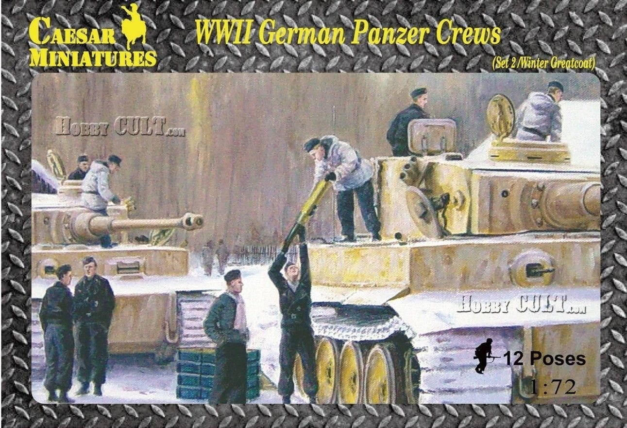 1:72 WWII German Panzer Crews w/Winter Greatcoats (Pre-Order)
