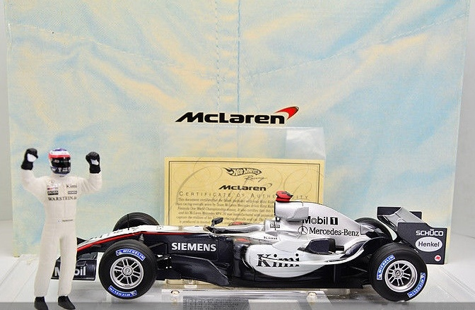 1:18 McLaren Mercedes MP4-20 F1 Kimi Raikkonen 2005 w/Clothing